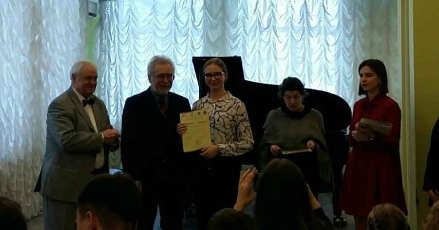 Поздравляем с победой на столичном конкурсе Настю Винокурову и Светлану Васильевну Эрман!